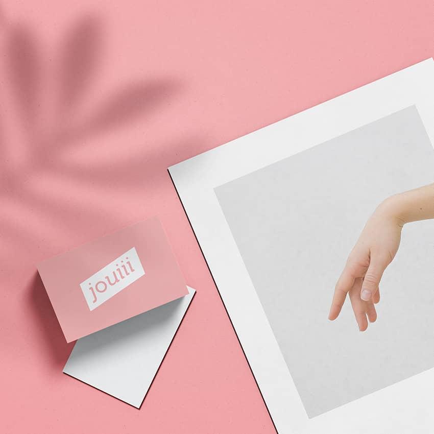 Jouiii : création d'un logo original et contemporain